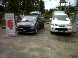 Mobil yang dipamerkan di depan IGD
