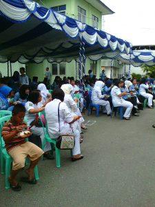 Kawan2 keluarga besar RSUD Kapuas sedang lahap menikmati sarapan pagi setelah Upacara HUT RI ke 71
