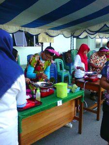 P Sunarto peserta lomba masak lg meramu bumbu